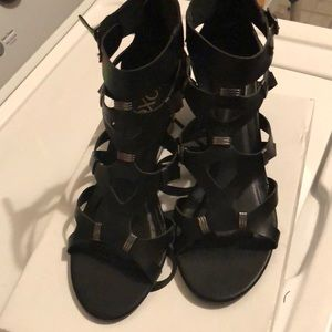 XOXO Womens size 7.5 sandals black